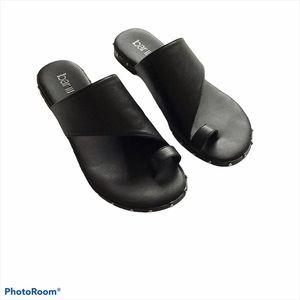 Bar III Black Sandal w/ side stud detail Size 7